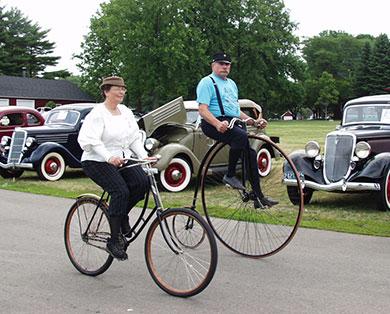 people-on-old-bikes